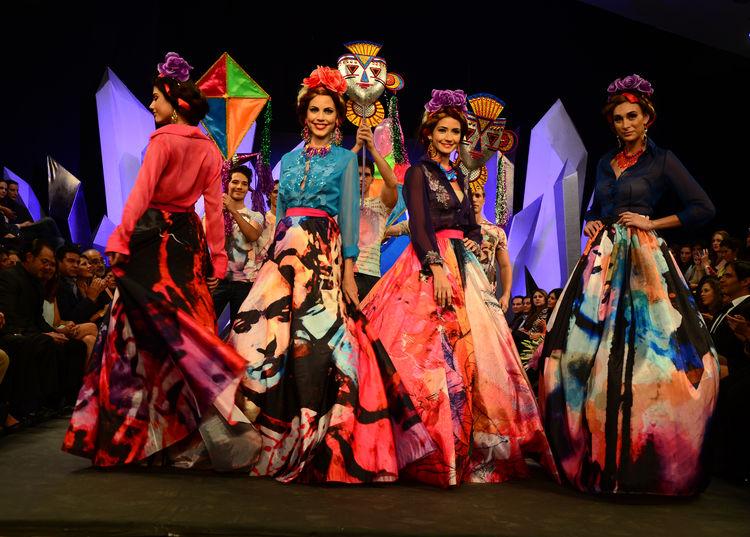 Bolivia Moda 2014 Bolivia Moda 2014, La Pasarela De La Creatividad - Eventos Textil E Indumentaria