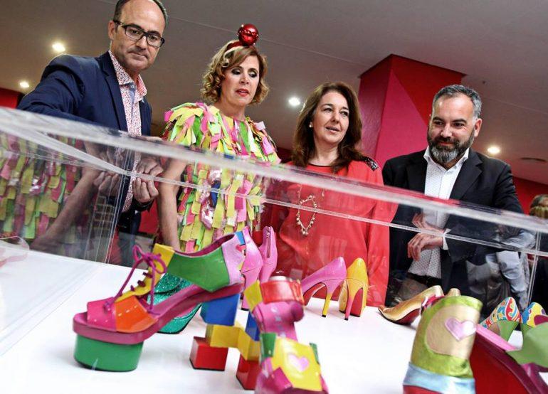 Agatha Ruiz De La Prada Doscientos Zapatos De Ágatha Ruiz De La Prada Llenan De Color El Museo Del Calzado - Eventos Calzado, Cuero
