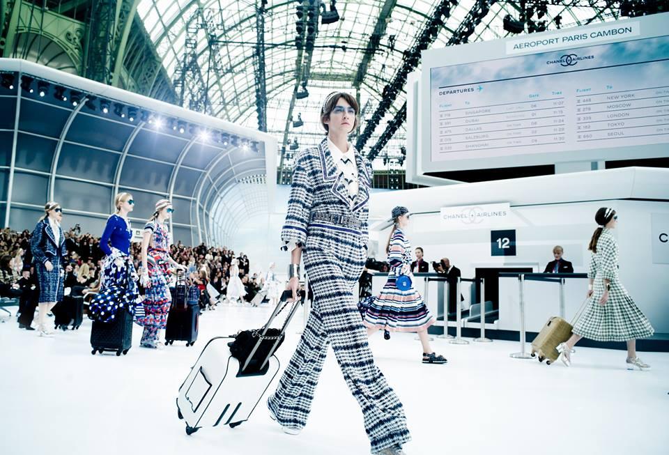 Chanel 2016 Moda: Chanel, Embarque Inmediato Por La Puerta No.5, First Class