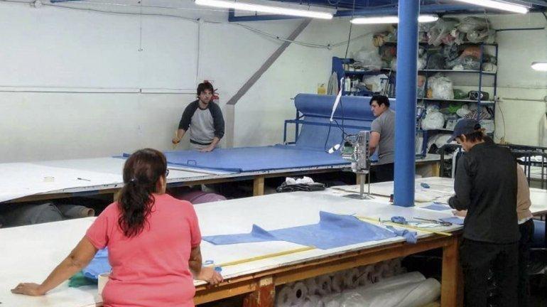 Camisolines Una Textil De Regina Fabricará Insumos Descartables Para Salud