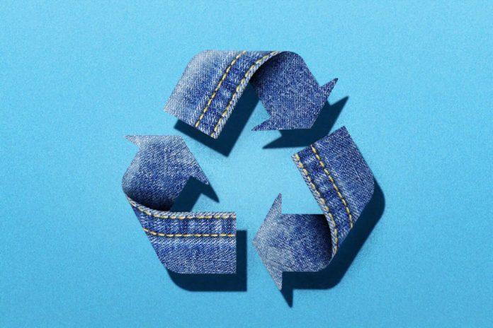 Sostenibilidad Jeans 696X464 1 Sostenibilidad En El Sector Retail: Tendencia O Realidad? - Moda Sostenible