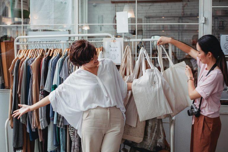 Pexels Sam Lion 5709659 1 La Experiencia Del Cliente «La Nueva Normalidad En El Retail» - #Tiendas