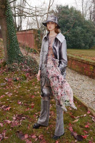 Alberta Ferreti 17 Moda: Alberta Ferretti Adelanta Los Ítems Que Usaremos En El Invierno 2021 - Moda Y Diseñadores Textil E Indumentaria