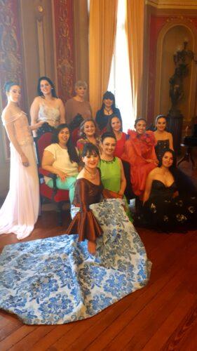&Quot;Mujeres Rurales&Quot; En Un Emblemático Distrito Textil
