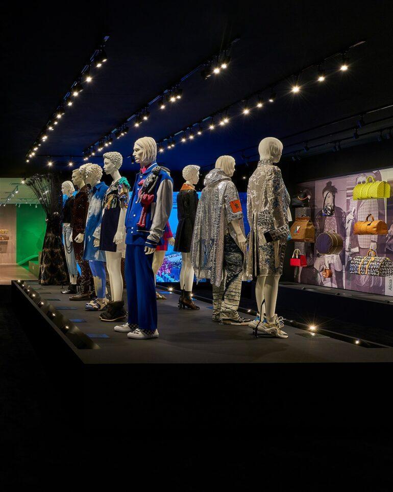 Borrador Automatico 10 Louis Vuitton Expone Creaciones Icónicas En Cuero - Moda Y Diseñadores Calzado, Cuero