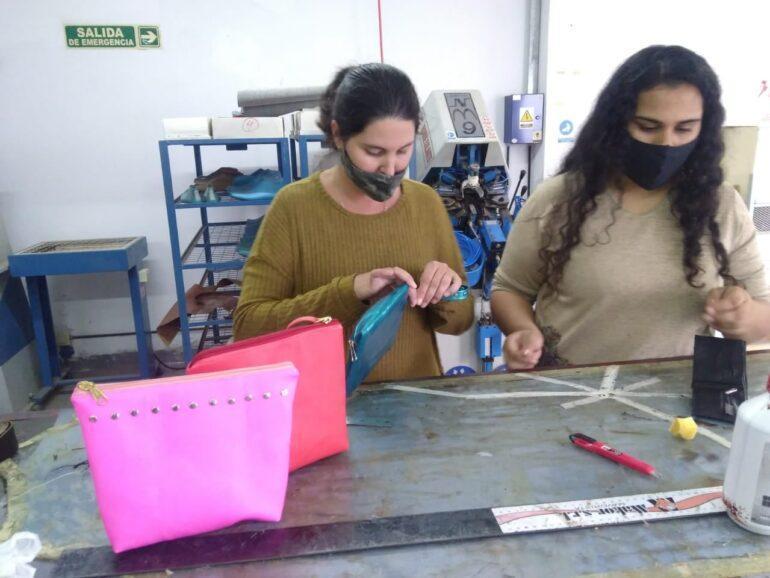 Curso De Marroquineria Inicial Curso De Marroquinería Inicial - Empresas Calzado, Cuero