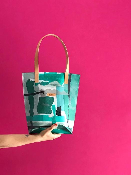 Img 6777 26 04 2021 Bolsas Plásticas En Desuso Convertidas En Objetos De Diseño - Moda Sostenible