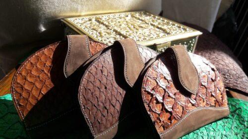 Portatarjetas Pescado Producciones Limitadas Con Cueros De Alta Calidad - Moda Y Diseñadores Calzado, Cuero
